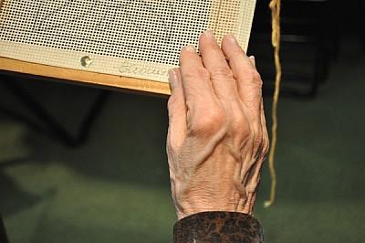 mano, arrugas, mujer, 70 - 79 años, anciana, tocan