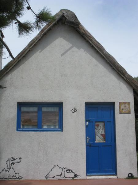 Imagen de pared casa casas vista de frente fachada dibujo for Modelos de fachadas para frentes de casas