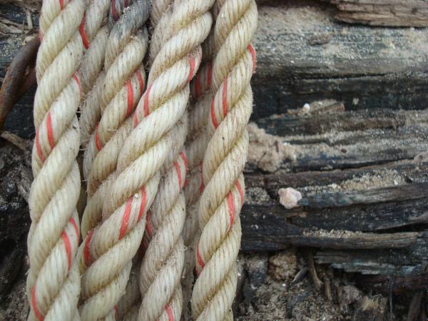 cuerda,soga,viejo,util,fuerza,enrollar,enrollado,sogas,vista de frente,mar,concepto,conceptos,oxido,dia,primer plano,prod05