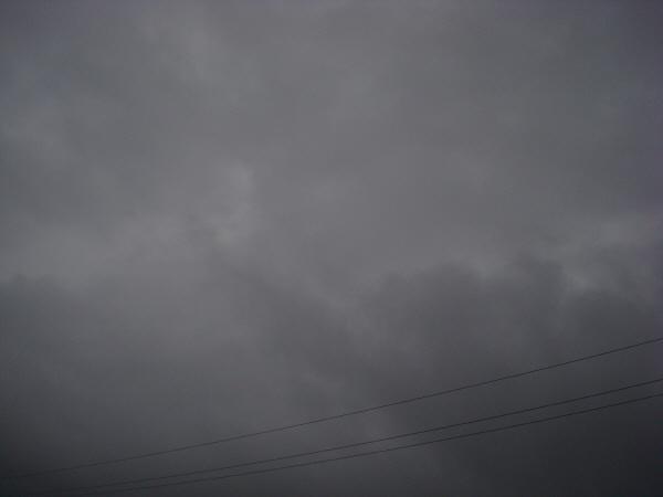 imagen de cielo tormenta clima mal tiempo negro oscuro