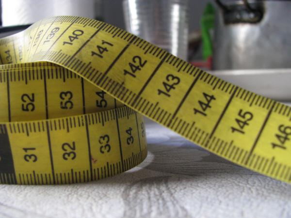 centimetro,centrimetros,medida,medir,unidad,cinta,cintas,dieta,dietas,tamaño,concepto,conceptos,numero,numeros,amarillo,util,utilidad,herramienta,objeto,objetos,,prod05