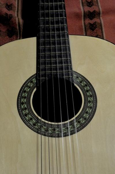 ,guitarra,instrumento,musica,musical,criolla,nadie,objeto,cuerda,cuerdas,primer plano,vista de frente,,AGO2010