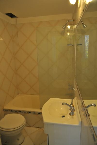 Imagen de interior arquitectura ba o ducha ba adera for Canillas para ducha