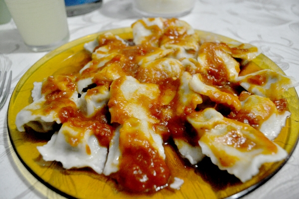 ,comida,comidas,pasta,pastas,ravioles,raviol,salsa,filetto,tuco,comer,carbohidratos,plato,caliente,,AGO2010