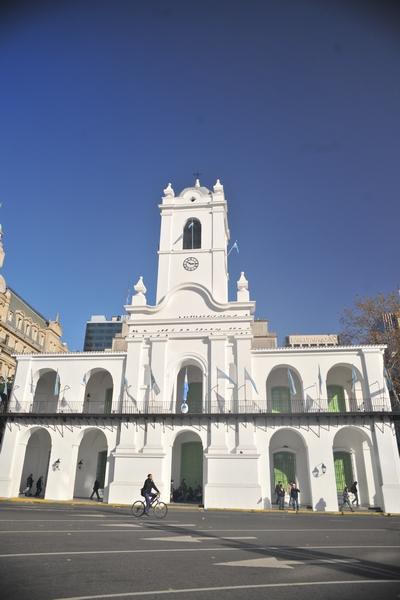 cabildo, patria, politica, antiguo, emblema, ciudad, exterior, cultura, ciudad, buenos aires, calle, arquitectura, fotografia, vertical, soleado, ,ABRIL2013