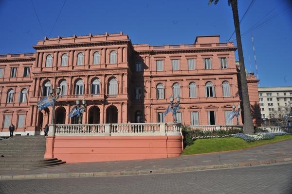 buenos aires, argentina, casa rosada, govierno, edificio publico, ciudad, soleado, dia, cielo azul, turismo, nadie, arquitectura, politica, cultura, escalera, ABRIL2013
