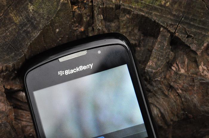 exterior, naturaleza, telefono, comunicacion, tecnologia, enfoque preferencial, de cerca, imagen a color, fotografia, horizontal, nadie, simple, actividad de ocio, vista desde arriba,ABRIL2013