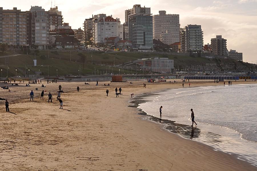 Playa, Mar Del Plata, Atarceder,  Buenos Aires, Argentina,,P052014, Freejpg